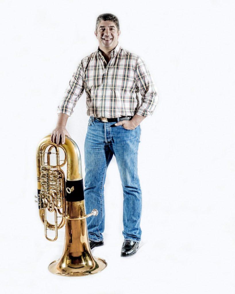 Ilídio Massacote (tuba)