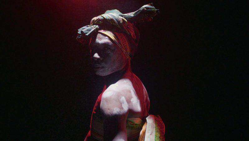 """Dança das Máscaras"" de Sara Gouveia"