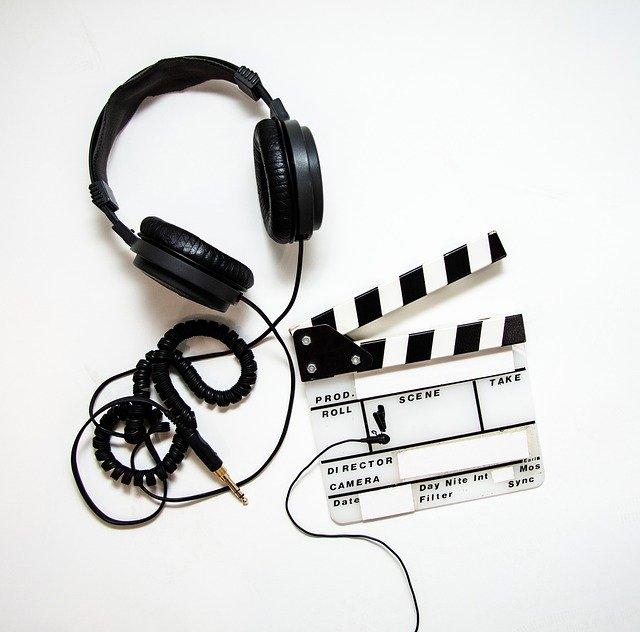 Alguns modos de ver cinema em casa