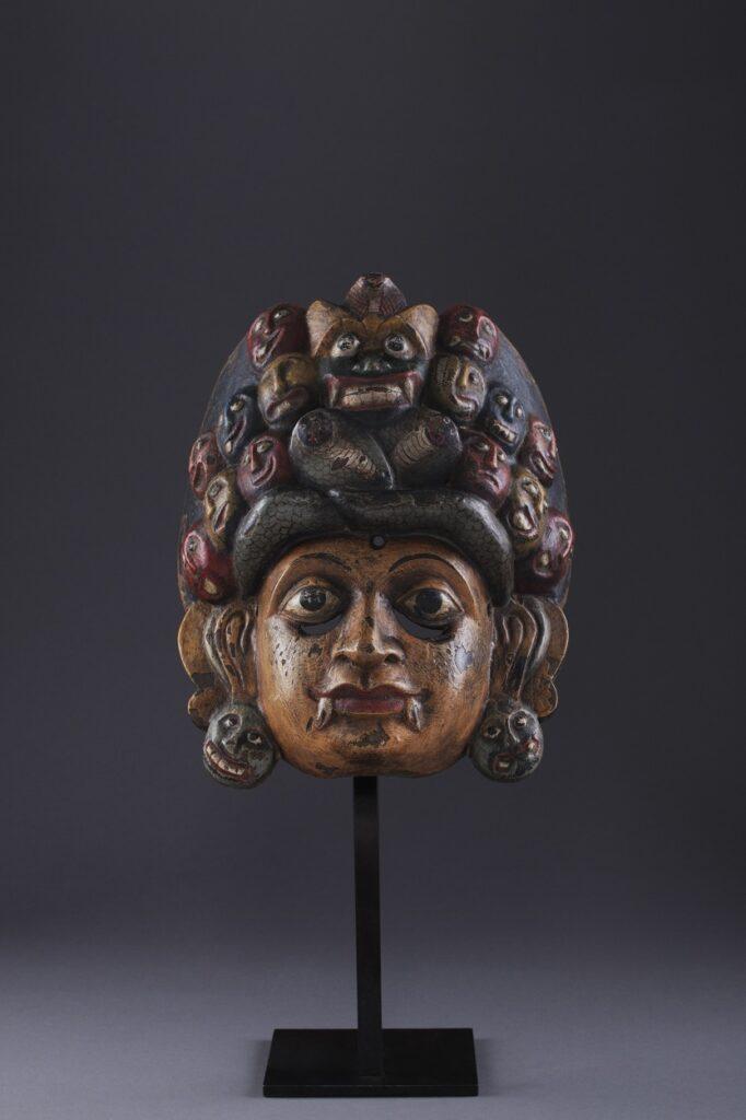 Máscara Mahakola Sanniy Yaka (Museu da Marioneta)
